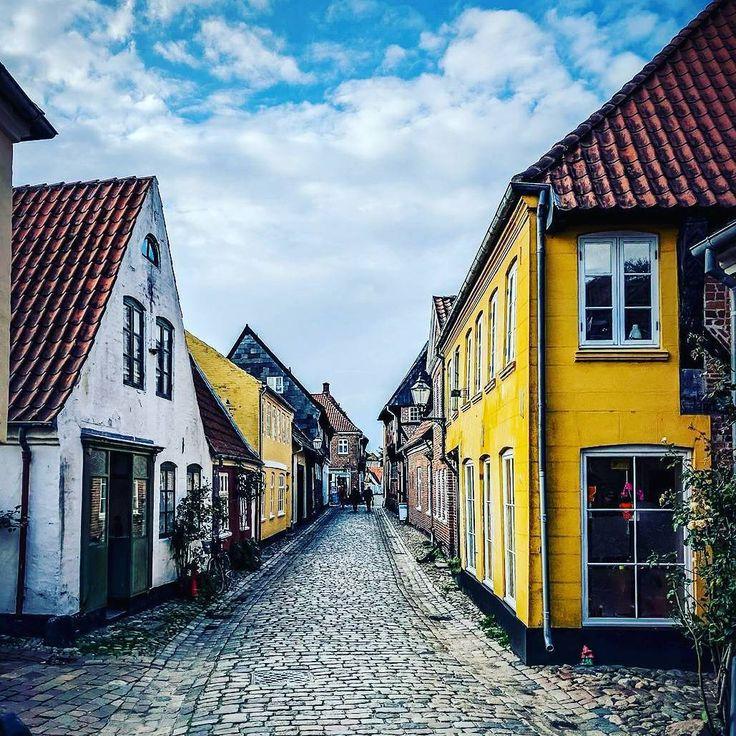 "290 Likes, 7 Comments - Malin (@scandi.lifestyle) on Instagram: ""Oldest town in Denmark ❤️ . . . #ribe #denmark #danmark #old #town #jylland #scandinavia #nordic…"""