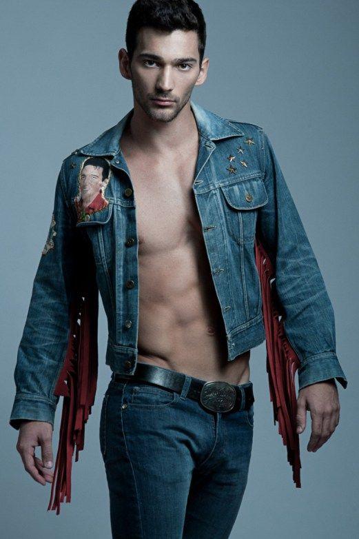 Fotógrafo: Jo Herrera  Jackets jeans CUSTOMIX