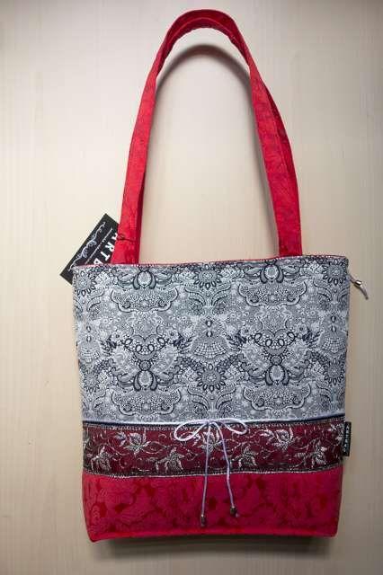 Egyedi tervezésû nõi táska szürke-piros pamutbrokát anyagból