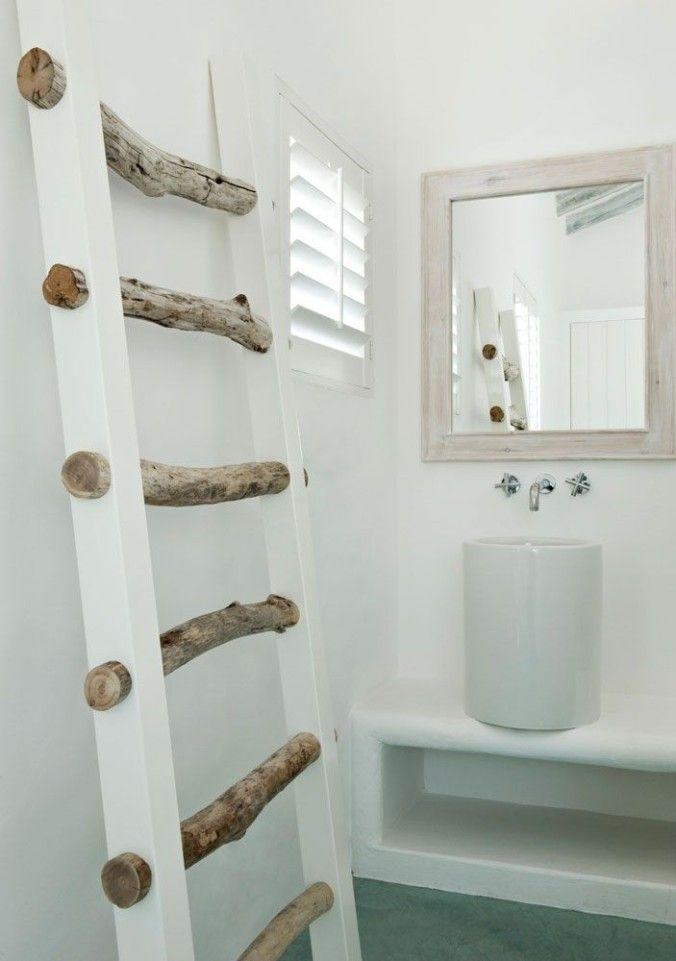 Ladder van takken en houten latten