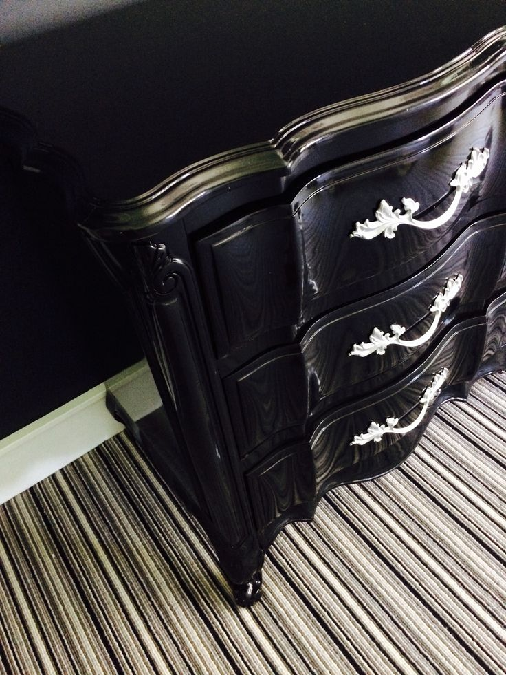 black lacquer paint for furniture. ah lacquer paint in basic black for furniture