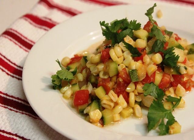 Calabacitas con elote - Mexican corn and zucchini dish. A traditional way to cook corn with zucchini in Mexico. An easy recipe with lots of flavors that can be done in a few minutes.