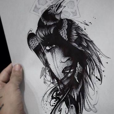 Ворона и лицо девушки