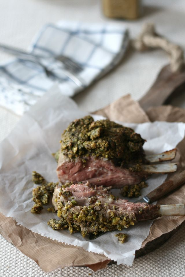 Spring lamb rack with pistachio herb crust