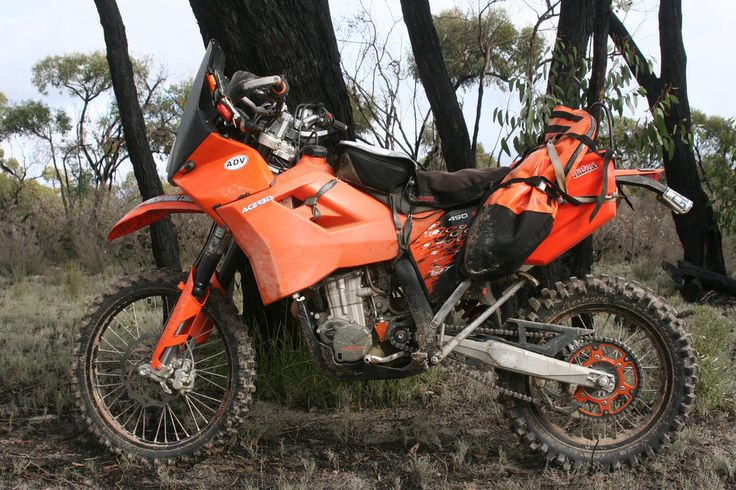 KTM 450 exc with 21.5 l tank and fairing, so sick!!! ready for adventures