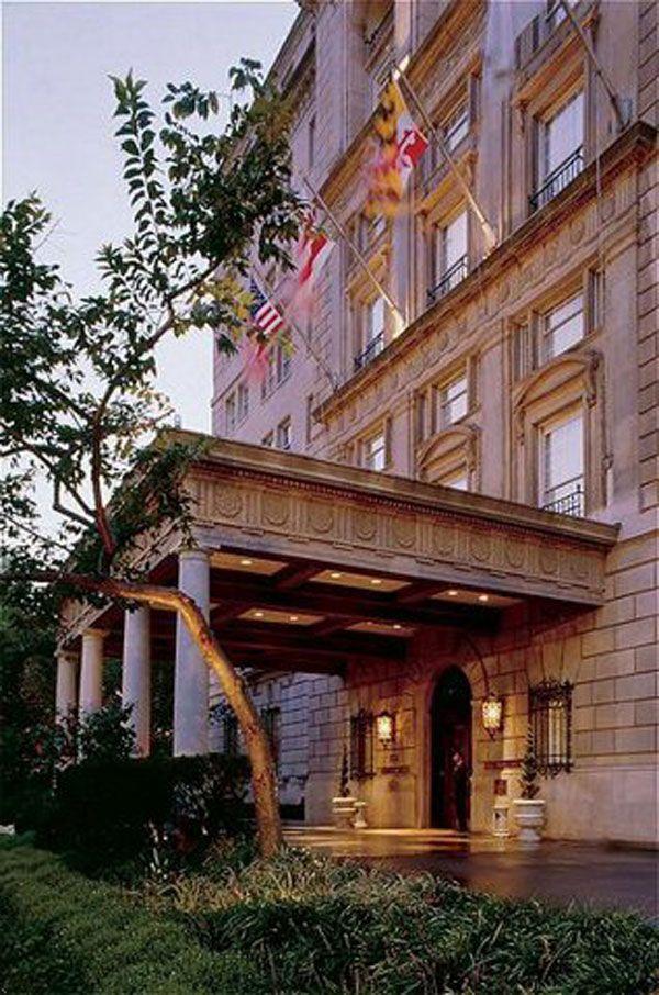 55 best exteriors porte cochere images on pinterest for Designer hotel schwarzwald