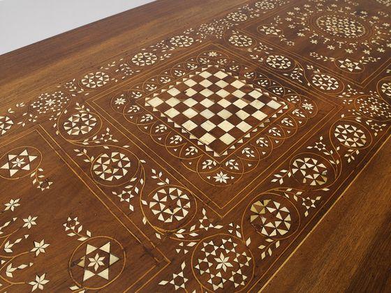 "Détail ""Precious"" table par Giuseppe Pruneri"