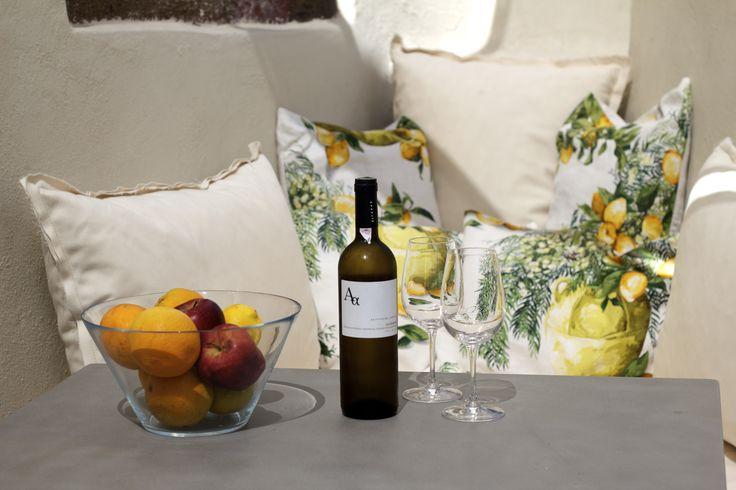 #oia #santorini #greece #chilling #sigalas #wine #home