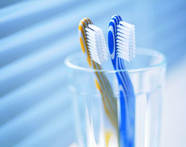 Как выбрать хорошую зубную щетку