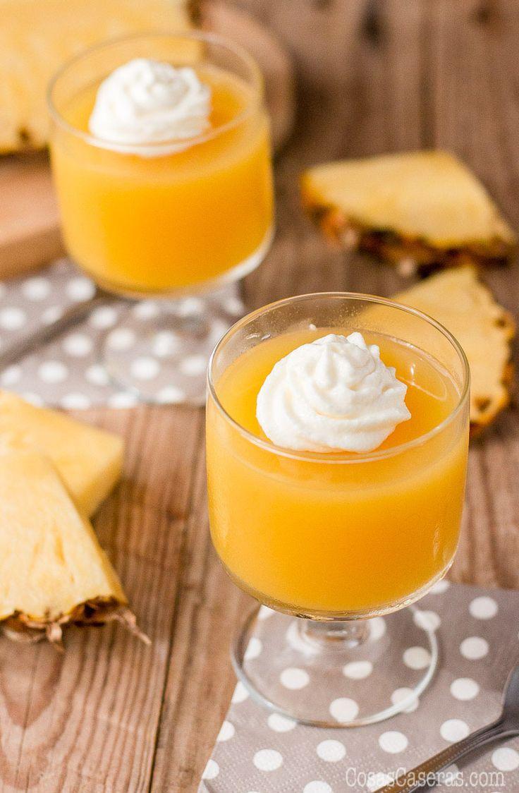 Evita los colores y sabores artificiales y aprende como hacer gelatinas de frutas naturales o zumos, mucho más saludables que los postres de gelatina que se venden el el super.