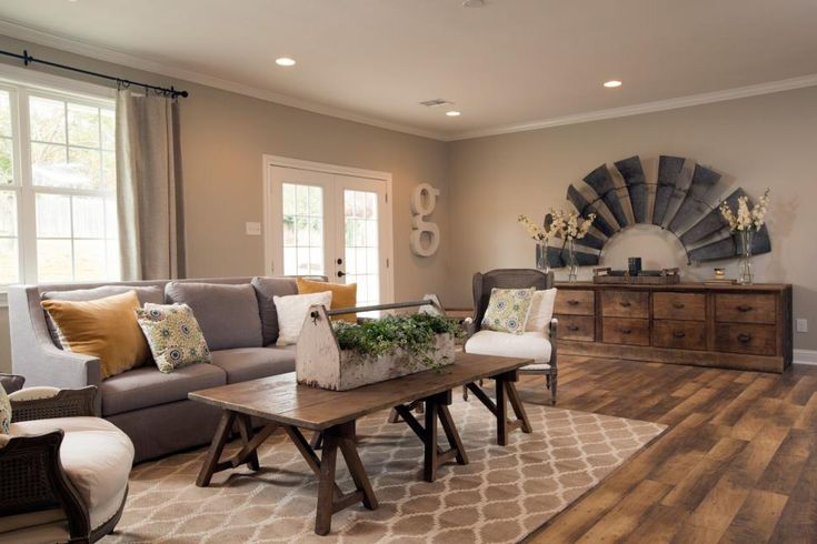 Fixer Upper's Best Living Rooms | Fixer upper living room ...