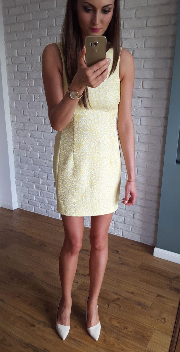 Żółta sukienka z geometrycznym wzorem.   169 zł  www.illuminate.pl