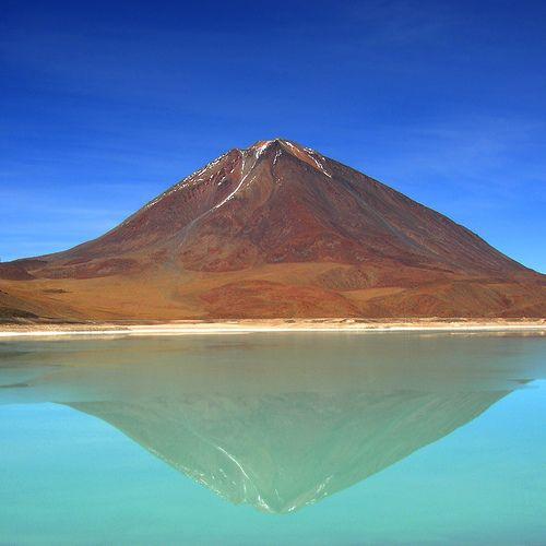 Laguna Verde  volcano Lincacabur, Andina Eduardo Abaro National Park,