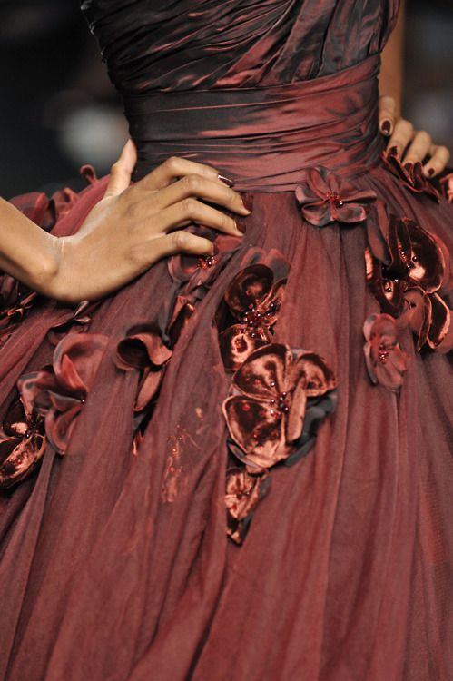 .: Fashion, Elie Saab, Ellie Will Be, Colors, Gowns, Beautiful, Dresses, Red Rose, Haute Couture