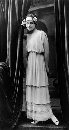 1900 - 1910 - Jeanne Lanvin. Love this dress - so feminine!