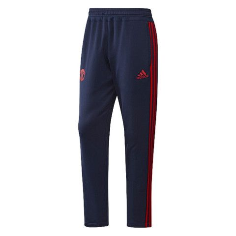 Man United are creative playmakers, and these junior boys' football pants  show off their winning style.