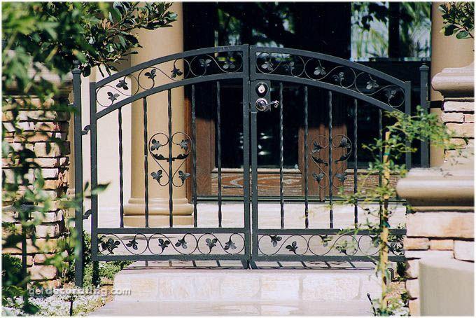 Cercos para patio ideas para cercos muros dise o de for Disenos de puertas exteriores