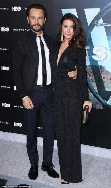 Родриго Санторо и Мелани Фронковьяк ❤