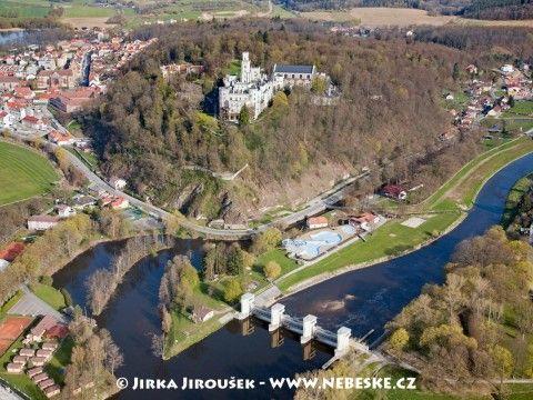 Hluboká nad Vltavou – jez, vesnice, zámek