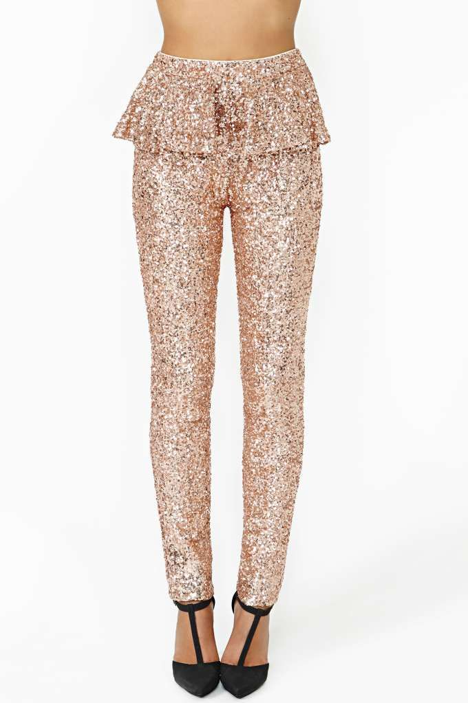 Prettiest party pants of the season: Dream Sequence Peplum Pant in rose gold by @NASTY GAL #peplum #sequins #rose_gold
