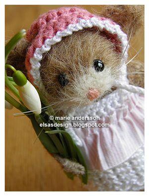 """Swedish crafter makes the most adorable felted mice with crocheted outfits - (and other cute stuff) """"Fröken Elsas virkblogg: Fröken Elsa och Vera Viola välkomnar våren och önskar alla en trevlig helg!"""""""