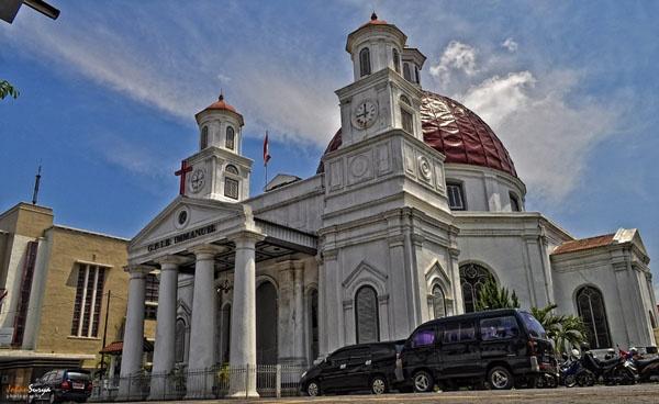 Blendoeg Church : http://johansurya.semarangkota.com/architecture/gereja-blenduk-gereja-sejuta-foto/