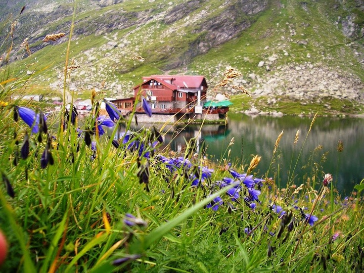 Balea Lake  Source: https://www.facebook.com/TheBeautyOfRomania