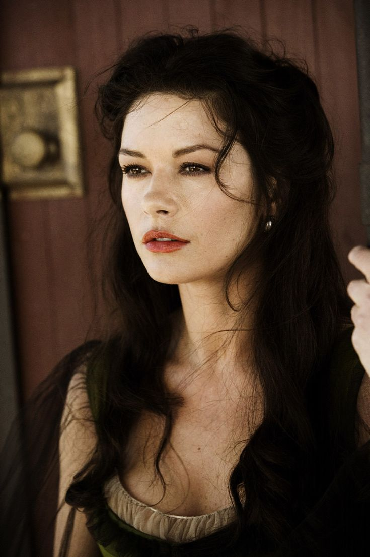 "catherine zeta jones September 25, 1969 in:	Swansea (United Kingdom) Sun: 	2°18' Libra	AS: 	22°59' Sagittarius Moon:	28°41' Pisces	MC: 	27°12' Libra Dominants: 	Libra, Sagittarius, Virgo Mars, Jupiter, Venus Houses 9, 1, 3 / Air, Earth / Cardinal Chinese Astrology: 	Earth Rooster Numerology: 	Birthpath 5 Height: 	Catherine Zeta-Jones is 5' 8"" (1m73) tall"