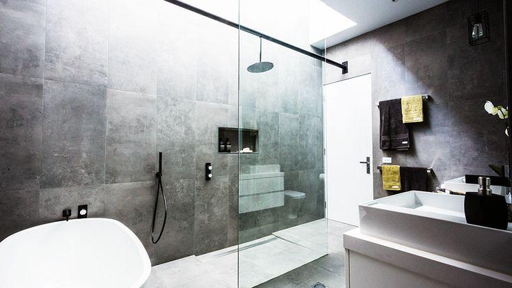 Chris & Jenna: Winning main bathroom | The Block Glasshouse | 9jumpin