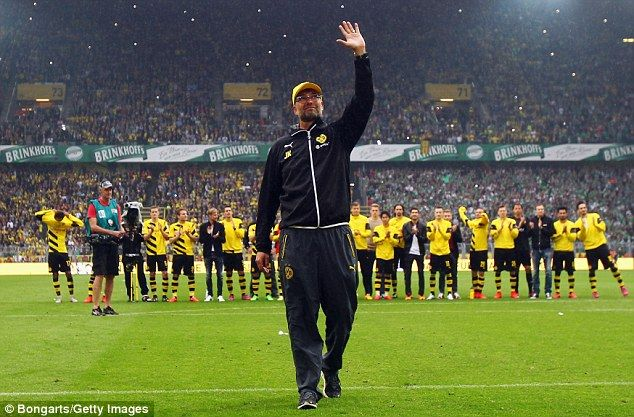 Klopp says goodbye to Borussia Dortmund fans after final home game #dailymail