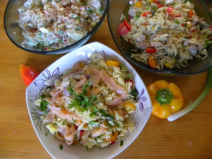 Five easy, healthy and delicious Orzo Salads for all tastes and budgets. http://kopiaste.org/2015/12/5-healthy-and-colourful-kritharaki-orzo-salads/ Πέντε εύκολες, νόστιμες και υγιεινές συνταγές με κριθαράκι για όλα τα γούστα και βαλάντια. http://www.kopiaste.info/?p=14289 #kritharaki #orzo_salads #easy_recipes #vgfoodblogawards #vimagourmetfoodblogawards #Κριθαράκι #σαλάτες #εύκολες_συνταγές #υγιεινη_διατροφή