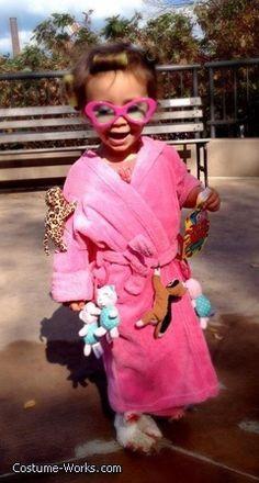 LOL! Best kids constume I have seen in a while. Super cute! Crazy Cat Lady - DIY Halloween costume idea