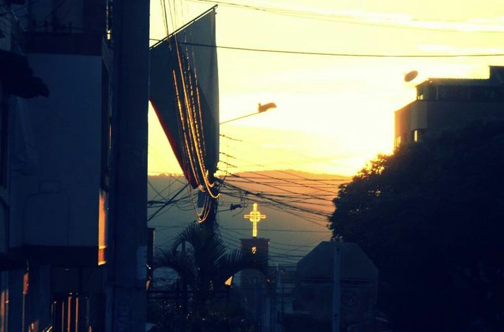 Atardecer en mi bella Bucaramanga @lauramilena74