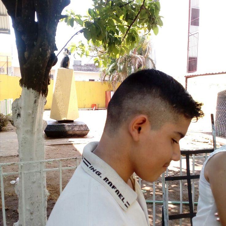 #undercut #ActitudAlejandroTorres #salon_barbería