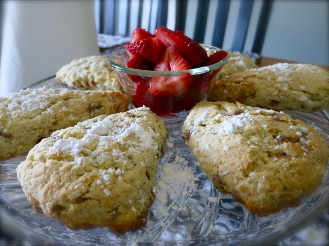 ... Scones, Scone Recipes, Scones Recipe, Easy Recipes, Cinnamon Scones