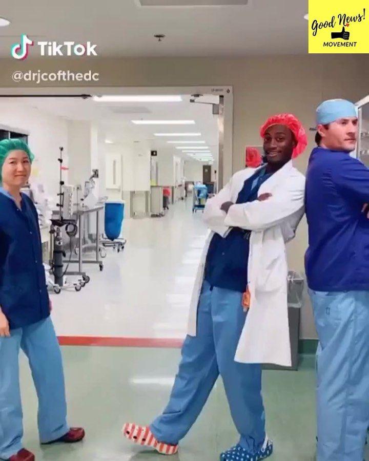 80k Vind Ik Leuks 2 204 Opmerkingen Good News Movement Goodnews Movement Op Instagram Corona Foot Shake A Sign In Their Hospital Said No Hand Shake I 2020
