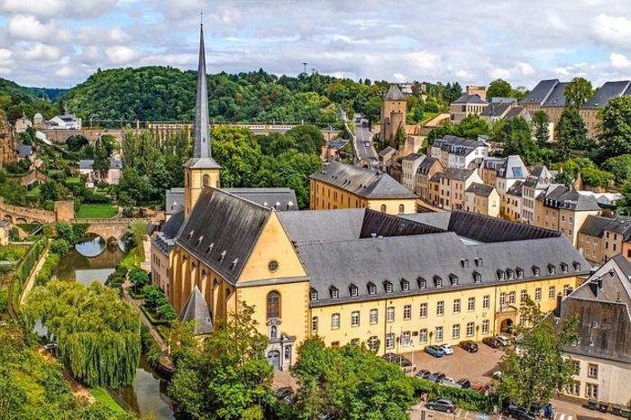 ルクセンブルクの観光情報まとめ:古い町並みと古城の国を楽しむコツを紹介