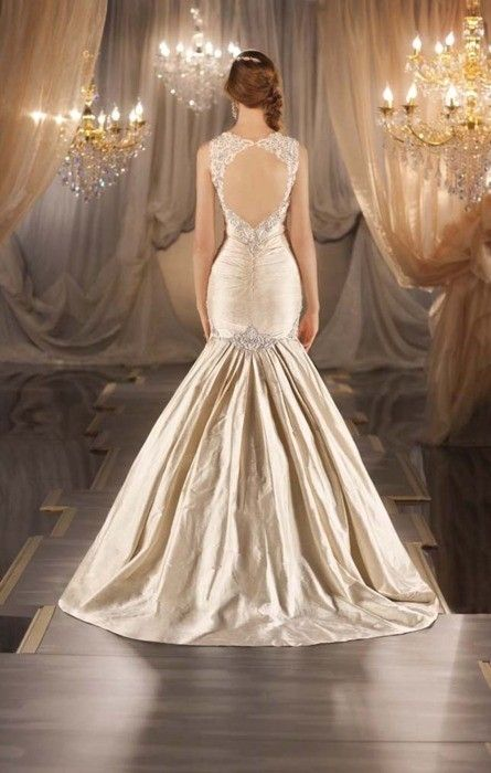 145 best wedding gowns with illusion or otherwise for Wedding dresses with interesting backs
