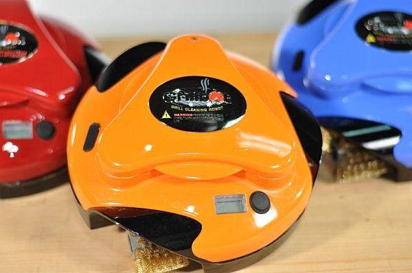バーベキューの必需品、グリル専用お掃除ロボット「Grillbot」