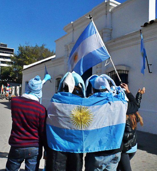 ¡Hacé pin con tu foto alentando a la selección argentina!  #YoAlientoArgentinaDesde + Tu Ciudad   #Mundial #Argentina #Brasil2014 #Futbol #WorldCup #Tucumán