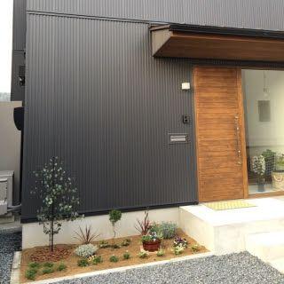 ガルバリウム外壁 木製玄関ドア - Google 検索