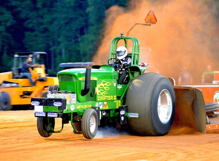 Souped Up Tractor : John deere making the dirt fly truck tractor pulling