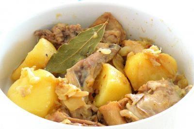 Conejo confitado con cebolla y patata - Receta - Canal Cocina