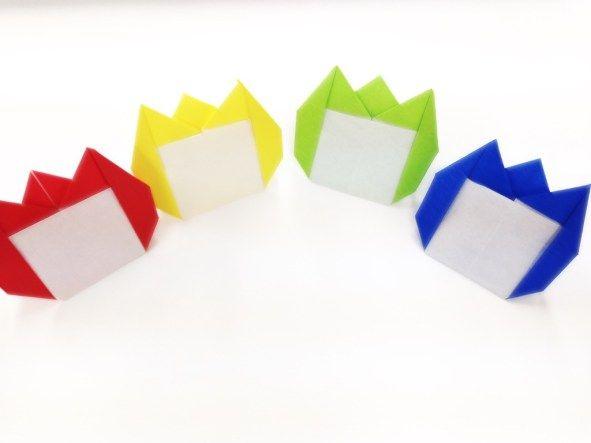 保育室での子ども会議やごっこ遊びなどでも役立つチューリップ名札です。 制作のひとつとしても!保護者会用のツールとしても!使える用途がいっぱいです。 目次1 チューリップ名札の作り方1.1 材料2 完成