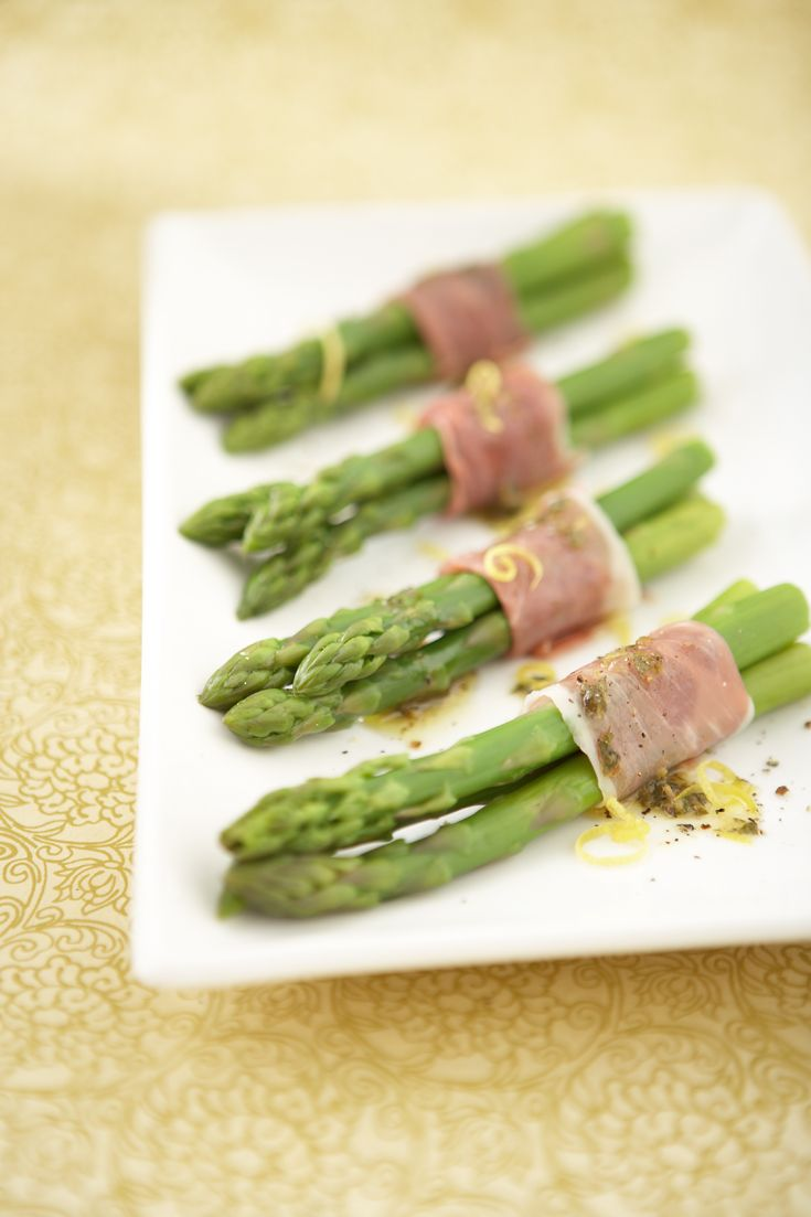Prosciutto-wrapped Asparagus #MothersDay