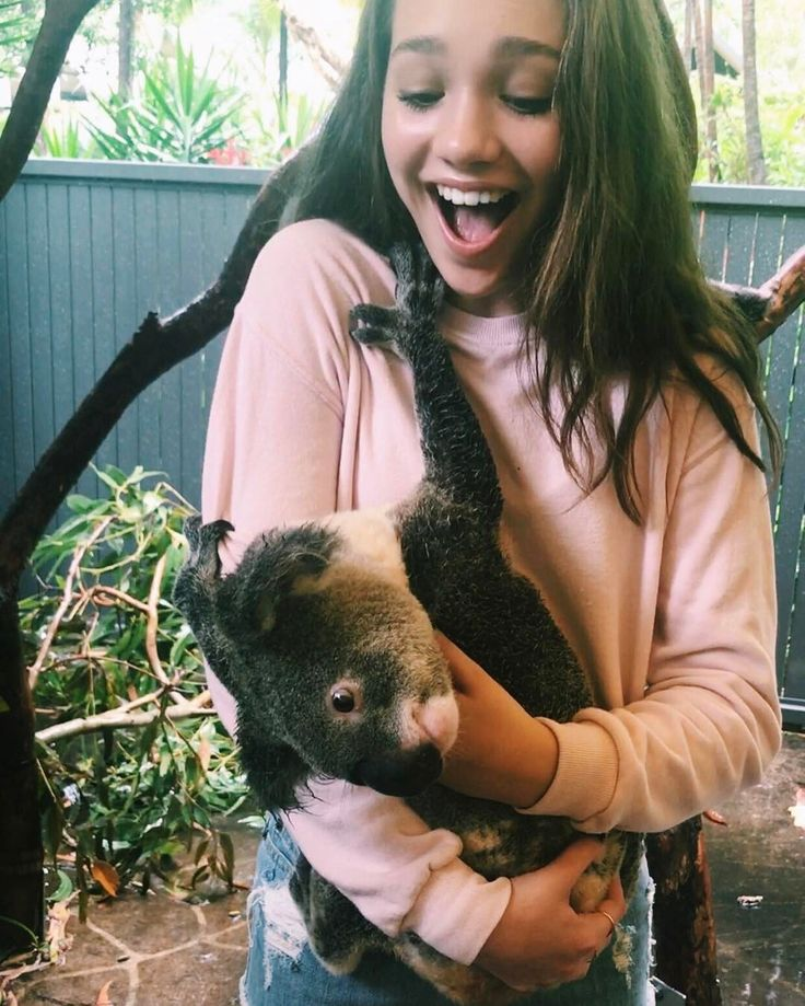 "chandelierdancer: ""maddieziegler: hangin with bobby 🐨 """