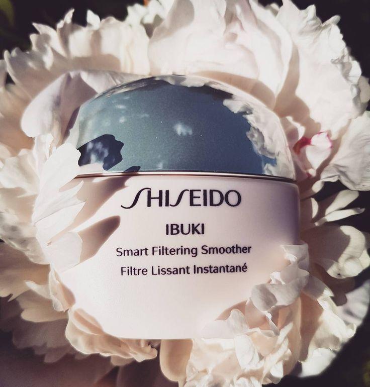 """Ну здравствуй мой волшебник!  Thank you very much #shiseido for this miracle. It's magical!  В поисках идельного праймера, мне повезло познакомиться с shiseido ibuki SMART FILTERING SMOOTHER! Спасибо моим любимейшим девочкам из @liga_parfum_obninsk ! Кстати, это единственное мне знакомое место в #Обнинск ,где его можно приобрести!  Ну а теперь к делу! Что же это за """"внутренняя сила"""" и на что способно это средство? Любителницы #selfie , танцуйте от радости! Это маленькая иновационная…"""