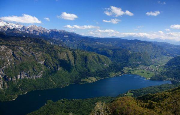 Slovinsko - Bohinjské jezero    Kam na dovolenou do přírody, když potřebujete vypnout - Iconiq.cz