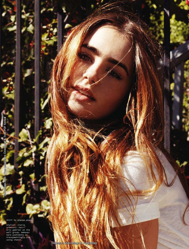 Lily Collins is the most gorgeous girl alive!! xD Look at those brows!