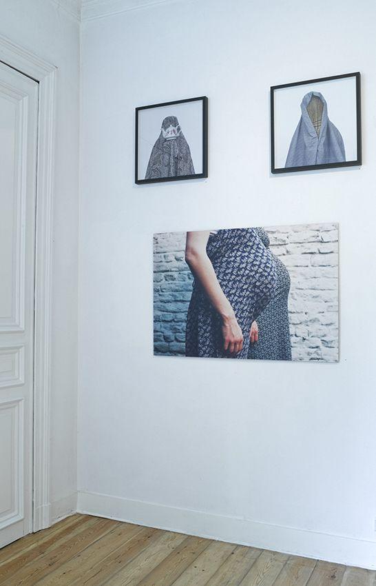 Shadi GHADIRIAN - Like Everyday (domestic life) #08 (tea-pot), 2000, C-print on aluminium, frame, 52 x 52 cm, ed. of 10 || Shadi GHADIRIAN - Like Everyday (domestic life) #04 (broom), 2000, C-print on aluminium, frame, 52 x 52 cm, ed. of 10 |Frédéric BARTHES - Untitled, 1998, C-print on aluminium, 80 x 120 cm, ed. of 5
